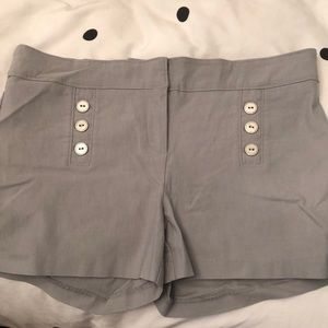 Pants - Light grey high-waisted shorts